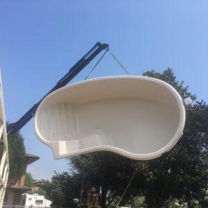 Vasche In Resina Per Piscine.Piscina Monoblocco In Vetroresina Mammone